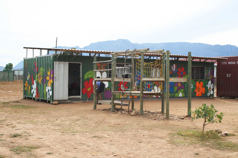School-after-care-container